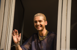 Tokio Hotel vocalist Bill Kaulitz greets the fans at radio SAW in Magdeburg. Copyright: Caitlin Hardee