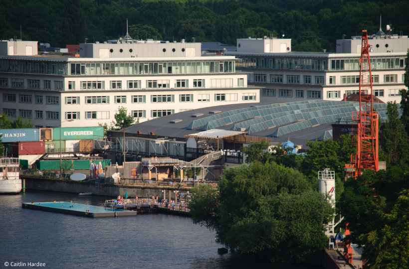Across the water, Berliners chill at the Badeschiff. Copyright: Caitlin Hardee